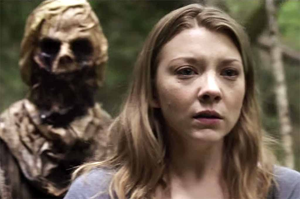 Sara looks for Jess in The Forest