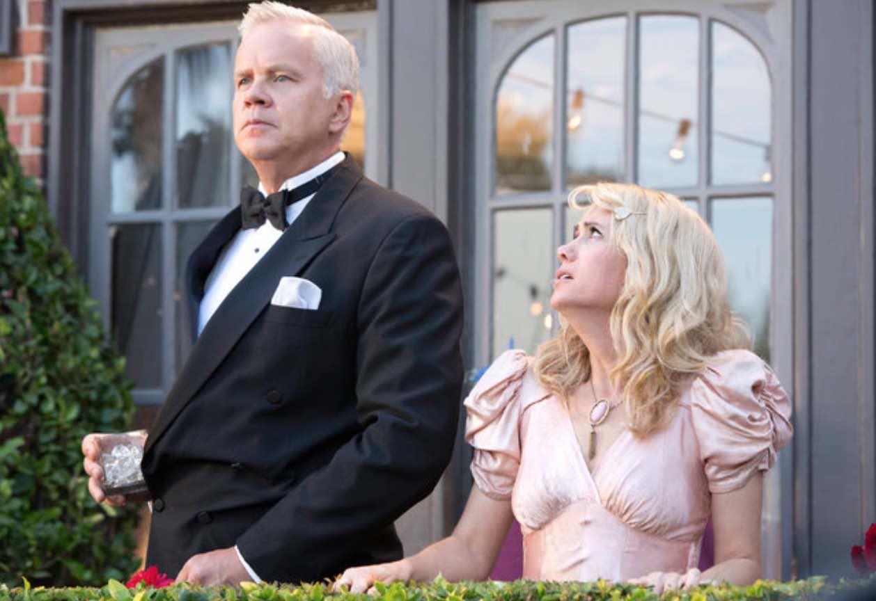 The Spoils of Babylon Kristen Wiig Tim Robbins